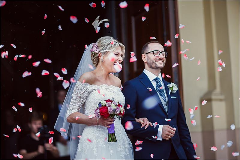 Fotografia ślubna ceremonia kościół