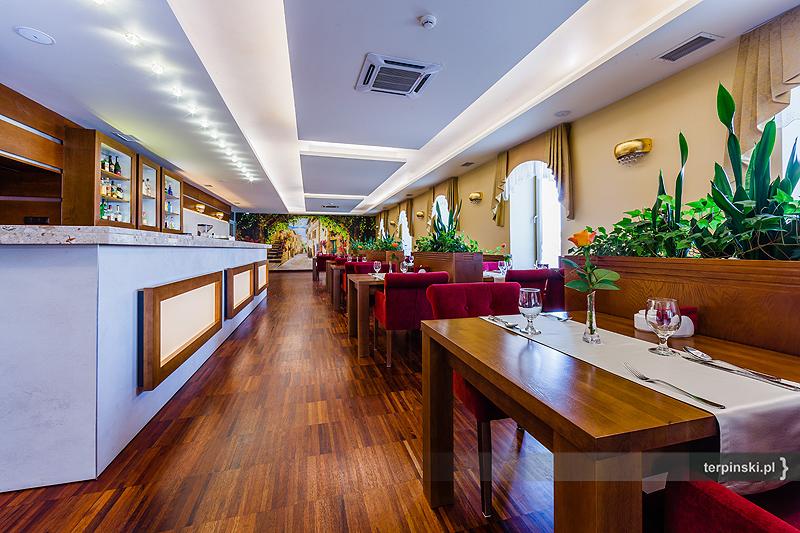 Zdjęcia wnętrza hotelu restauracja