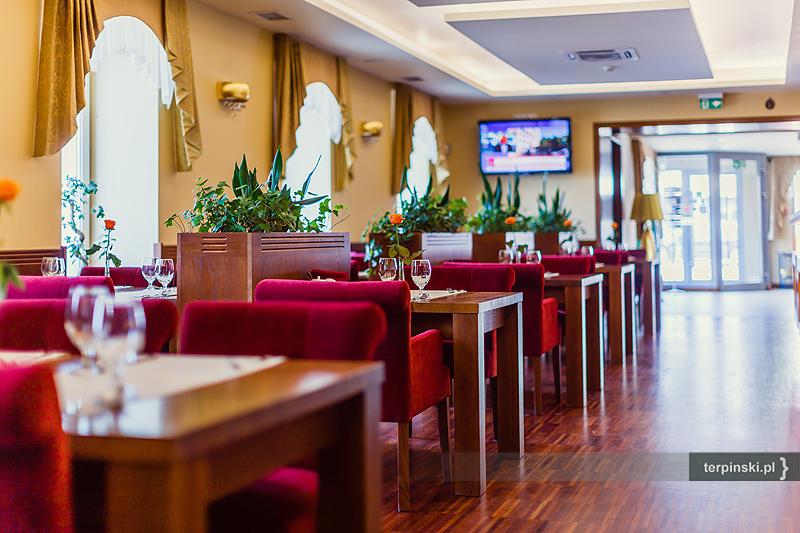 Zdjęcia wnętrza hotelu restauracja od holu