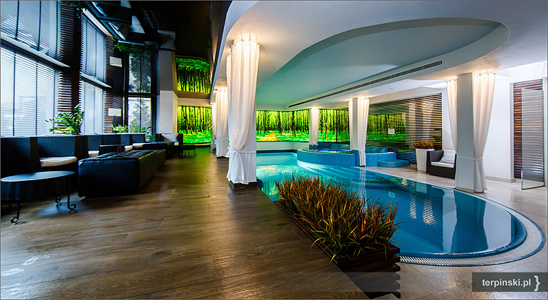 Zdjęcia reklamowe hotele basen