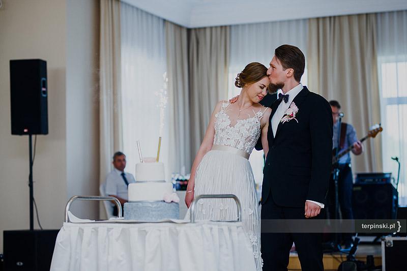 Zdjęcia na weselu tort