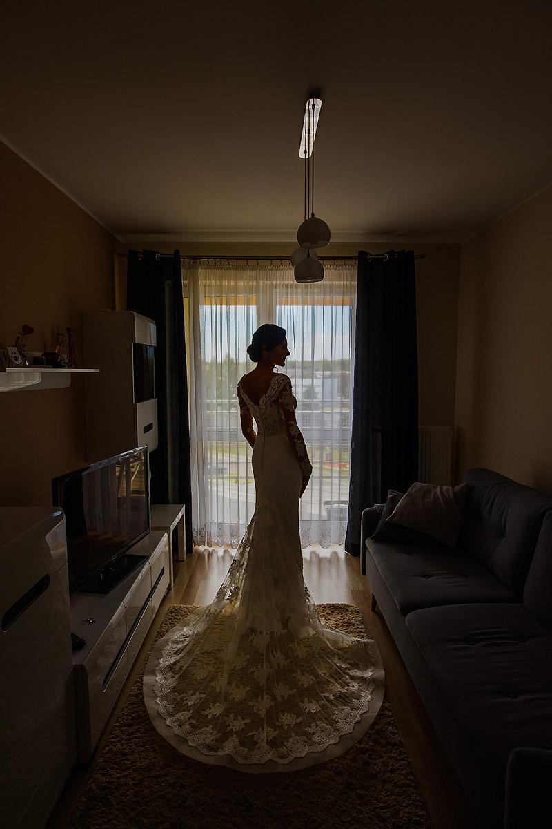 Fotografia Ślubna przygotowania suknia ślubna