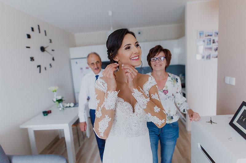 Fotografia Ślubna przygotowania biżuteria