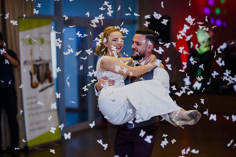 Sesja ślubna para młoda reportaż pierwszy taniec
