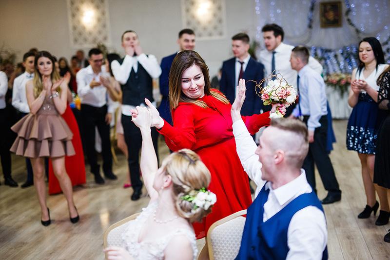 Sesja ślubna oczepiny