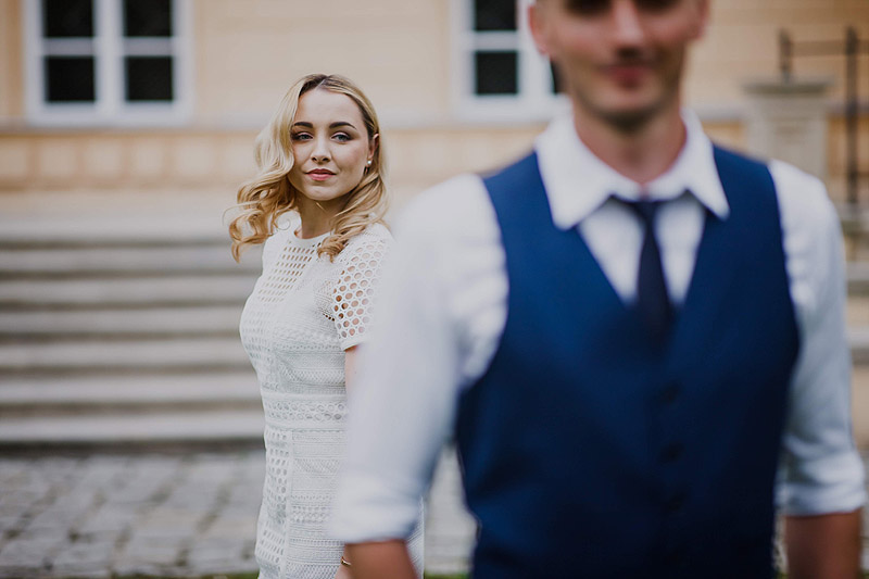 Plener ślubny suknia inna