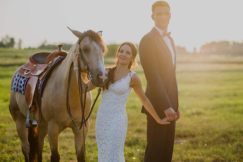 Plener ślubny w obiektywie Rzeszów słonecznie koń