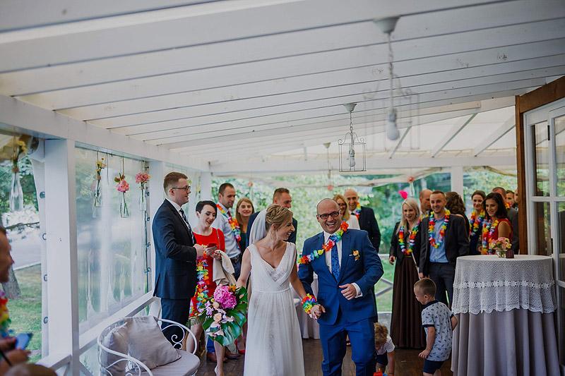 Zdjęcia weselne i ślubne przyjjęcie