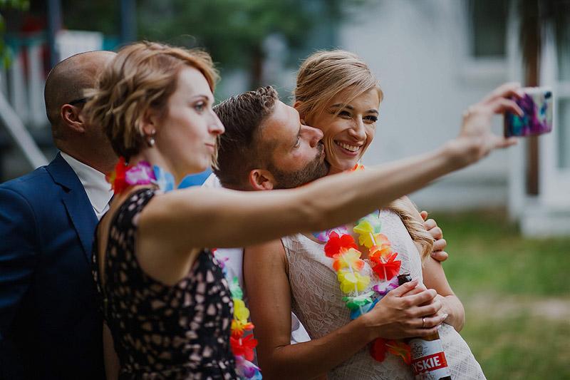 Zdjęcia weselne i ślubne chwile