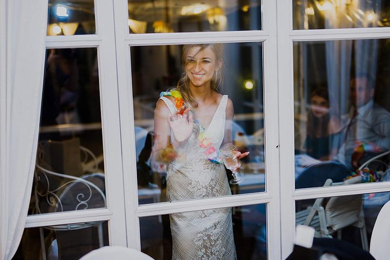 Zdjęcia weselne i ślubne chwile zabawy