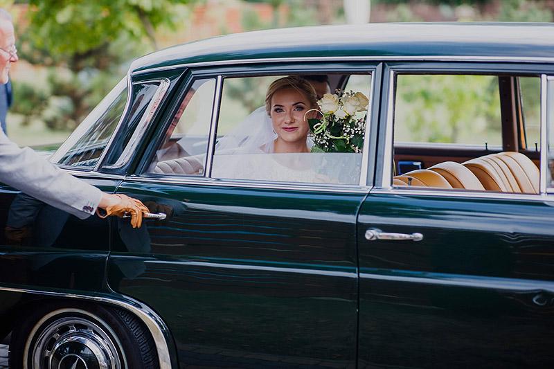 Pani młoda auto do ślubu