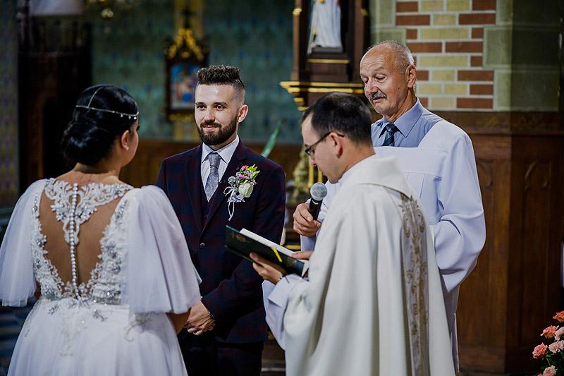 Ceremonia ślubna w Żołyni