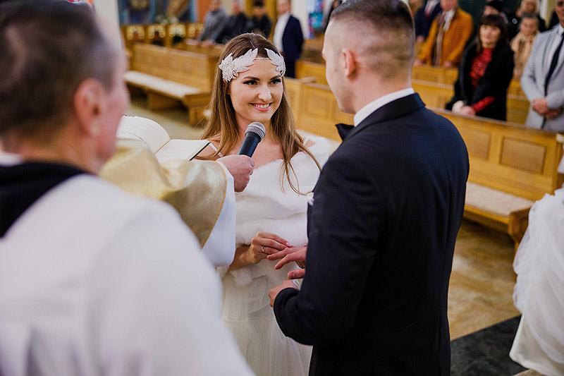 Zdjęcia ślubne na ceremonii ślubnej w Rzeszowie